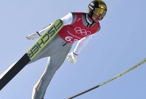 Andreas Wellinger springt im Training auf Platz vier
