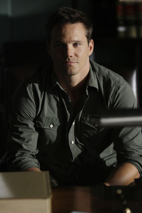 Arbeitet an einem neuen Fall: Colby (Dylan Bruno) ... - Bildquelle: Paramount Network Television