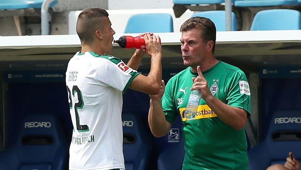 Noch viel Arbeit für Dieter Hecking vor Saisonbeginn - Bildquelle: FIROFIROSID