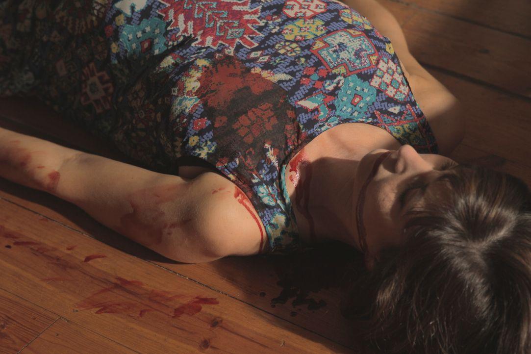 Schreckliche Tat: Eine schwangere Frau wird angeschossen und schwerverletzt liegen gelassen. Nachdem die Polizei die Frau tot auffindet, tut Ermittl... - Bildquelle: Jupiter Entertainment