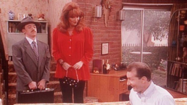 Al (Ed O'Neill, r.) hat Grund zum Lachen: Bud (David Faustino, l.) muss Peggy...
