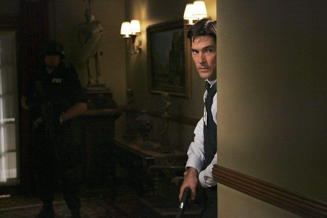 Ist dem Entführer auf der Spur: Hotch (Thomas Gibson)  ... - Bildquelle: Touchstone Television