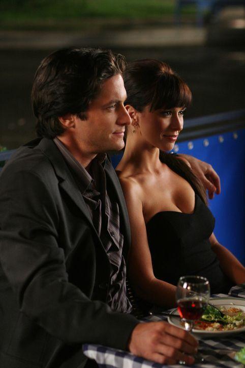 Bei einem gemeinsamen Abendessen wollen Jim (David Conrad, l.) und Melinda (Jennifer Love Hewitt, r.) ihre Freundin Andrea verkuppeln ... - Bildquelle: ABC Studios
