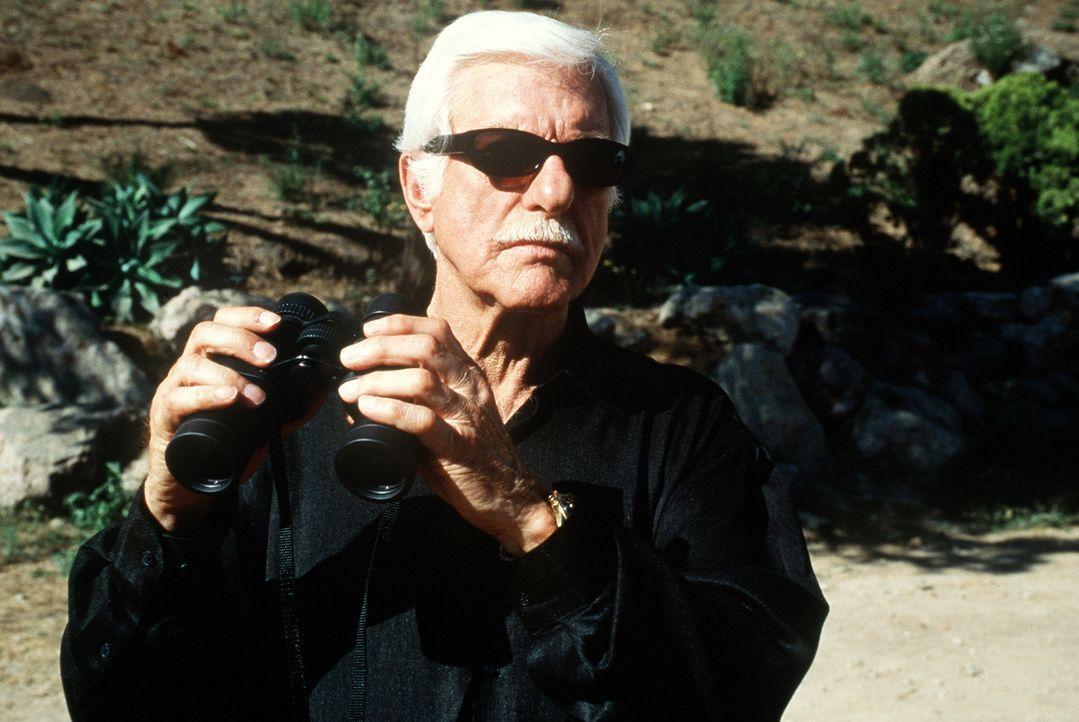Der Mafiaboss Greg (Dick Van Dyke), der Mark zum Verwechseln ähnlich sieht, wird nach 20 Jahren aus dem Gefängnis entlassen und will wieder die Mach... - Bildquelle: Viacom