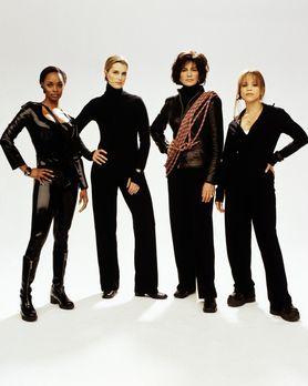 Widows - Drei Witwen und eine Tänzerin machen sich auf die Suche nach den Mör...
