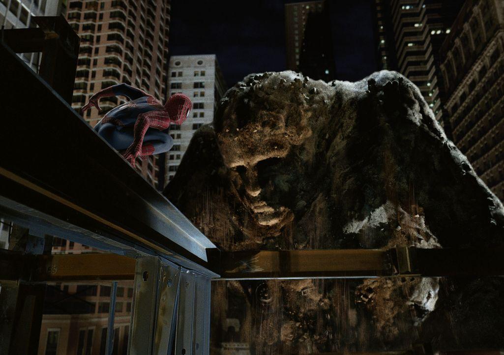 Spider-Man (Tobey Maguire) muss mal wieder das tun, was er am besten kann: die Stadt vor diversen Bösewichten retten! - Bildquelle: 2007 Marvel Characters, Inc.  2007 CPII. All Rights Reserved.