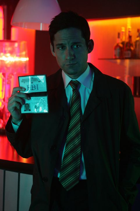 Danny Taylor (Enrique Murciano) gibt nicht auf und ist sich sicher, den Aufenthaltsort des verschwundenen Lance herauszufinden .... - Bildquelle: Warner Bros. Entertainment Inc.
