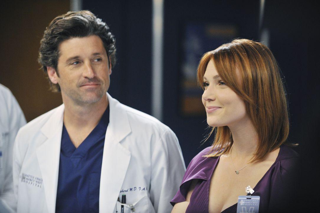 Während auf Derek (Patrick Dempsey, l.) eine ganz besondere Überraschung wartet, muss Lexie mit Marks neuer Freundin Julia (Holley Fain, r.) zusamme... - Bildquelle: ABC Studios