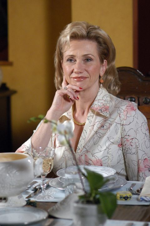 Joes Mutter Marjorie (Kathy Baker) ist zu Besuch. Seit dem Tod ihres Mannes fühlt sie sich sehr einsam, was sie aber nicht zugibt ... - Bildquelle: Paramount Network Television