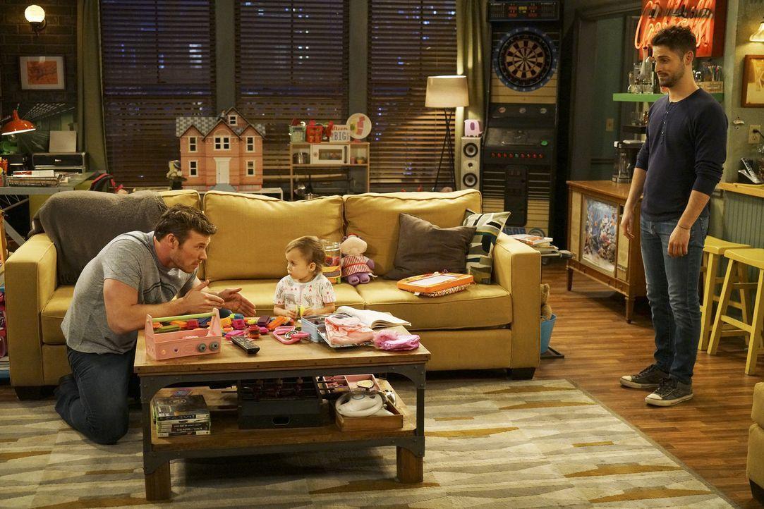 (v.l.n.r.) Danny (Derek Theler); Emma (Sura und Kayleigh Harris); Ben (Jean-Luc Bilodeau) - Bildquelle: Adam Taylor ABC Family