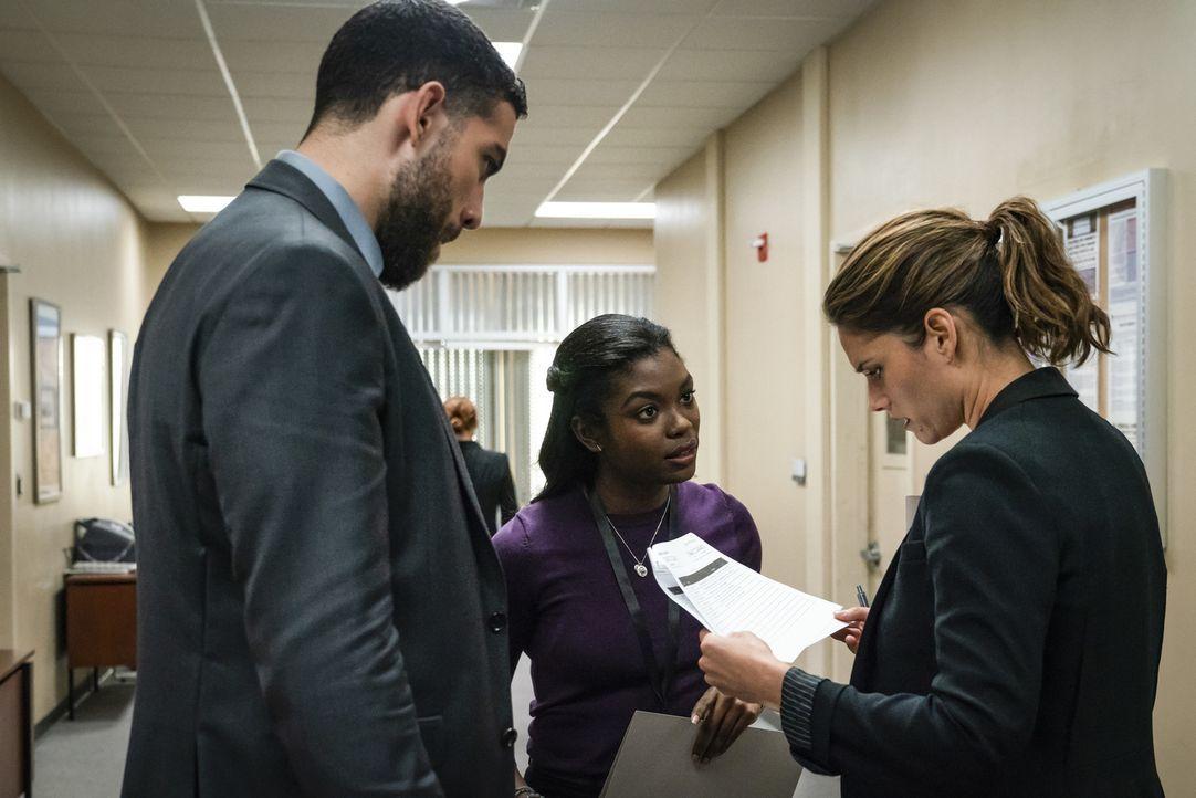 (v.l.n.r.) Omar Adom Zidan (Zeeko Zaki); Kristen Chazal (Ebonee Noel); Maggie Bell (Missy Peregrym) - Bildquelle: Michael Parmelee 2018 CBS Broadcasting, Inc. All Rights Reserved/Michael Parmelee