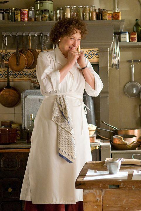 Paris 1949: Gelangweilt von ihrem Hausfrauendasein sucht Julia Child (Meryl Streep) eine Aufgabe und schreibt deshalb ein Kochbuch, das sie berühmt... - Bildquelle: 2009 Columbia Pictures Industries, Inc. All Rights Reserved.