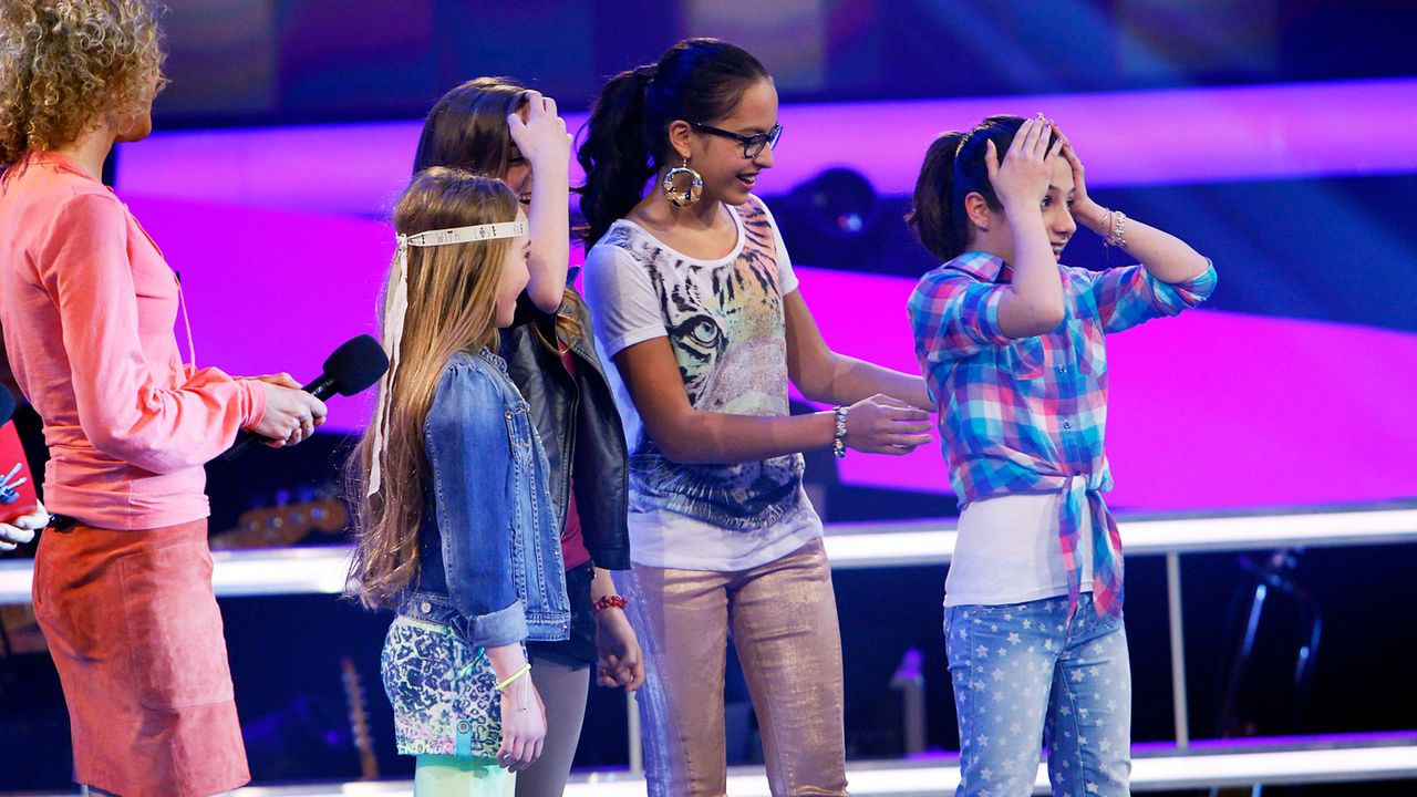 The-Voice-Kids-epi05-MicheleMairaFabienneStephanie-1-SAT1-Richard-Huebner - Bildquelle: SAT.1/Richard Hübner