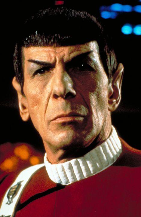 Cpt. Spock (Leonard Nimoy) sieht nur einen Ausweg, die Enterprise vor dem Untergang zu bewahren ? - Bildquelle: Paramount Pictures