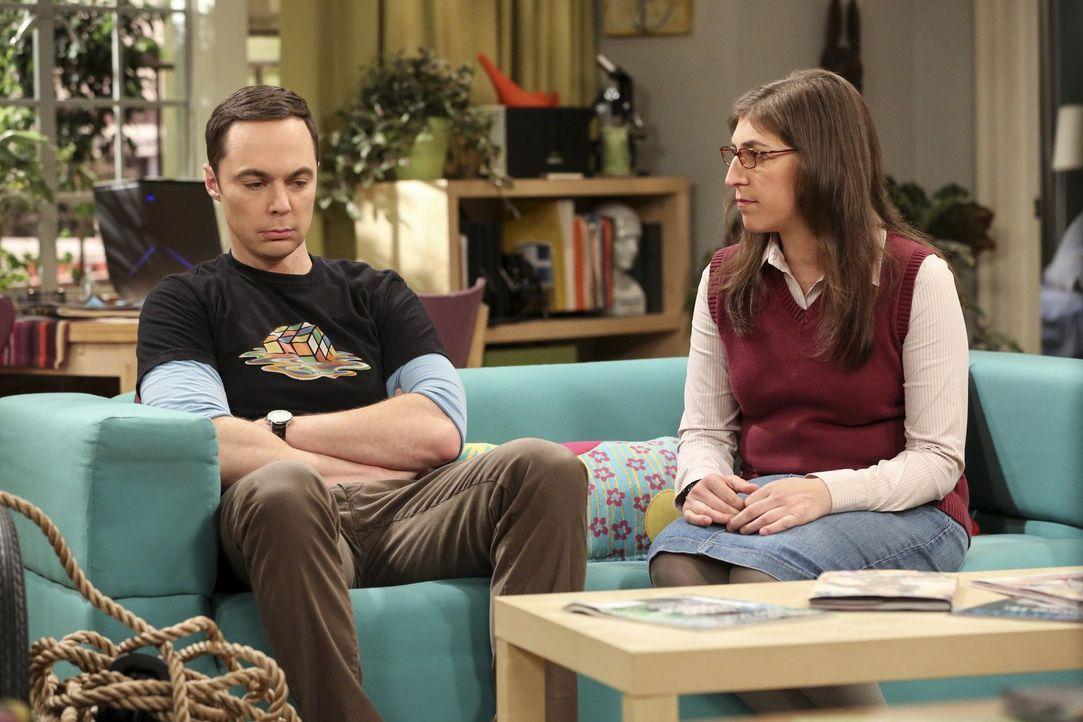 Sheldon (Jim Parsons, l.) versucht alles, um jung zu bleiben, was seine Amy (Mayim Bialik, r.) nicht richtig nachvollziehen kann ... - Bildquelle: 2016 Warner Brothers