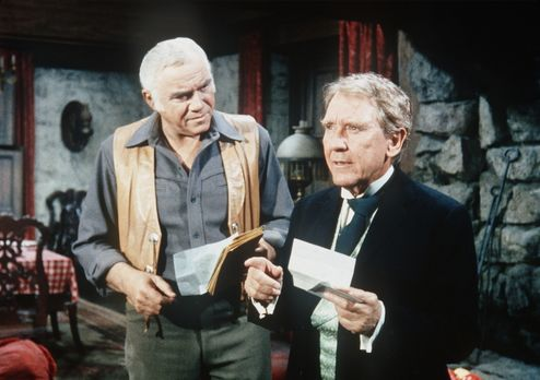 Bonanza - Ownie Dugan (Burgess Meredith, r.) bittet seinen Freund Ben Cartwri...