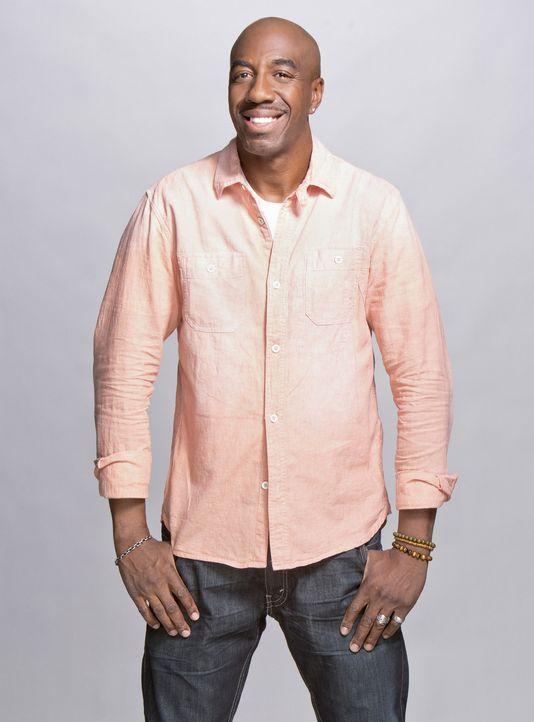 (1. Staffel) - Ray (J.B. Smoove) ist Nates bester Kumpel und stachelt ihn nach dessen Scheidung dazu an, sich mit vollem Elan ins Singleleben zu st - Bildquelle: 2013 CBS Broadcasting, Inc. All Rights Reserved.