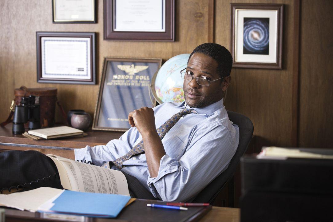 Der Schuldirektor (Blair Underwood) stellt George vor die Wahl: Entweder er wird der Schule verwiesen oder er holt in drei Wochen sämtliche Hausaufg... - Bildquelle: Mark Schafer 2011 - Fox Searchlight Pictures