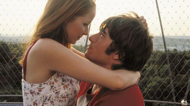 Alles scheint sich zwischen den Verliebten Nicole (Jasmin Schwiers, l.) und D...