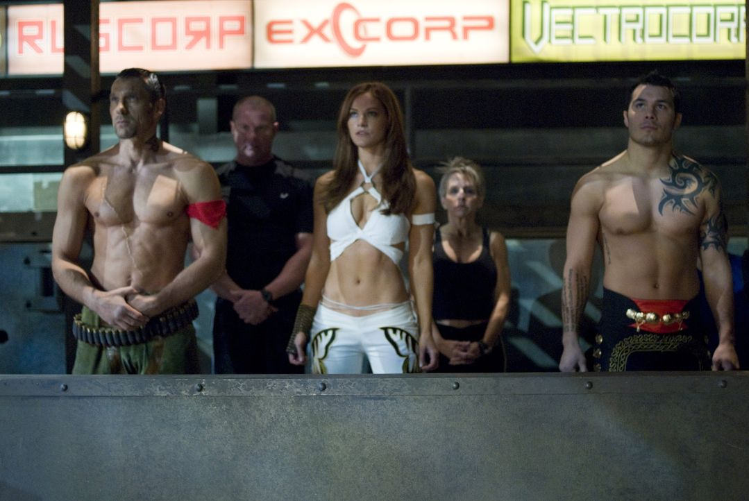 """Beim """"Iron Fist Turnier"""" treten die besten Kämpfer der Welt gegeneinander an. Die Regeln sind klar, es wird gekämpft bis zum Tod ... - Bildquelle: 2010 CST PRODUCTIONS, LLC   ALL RIGHTS RESERVED"""
