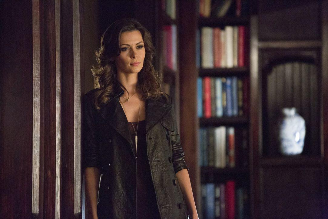Nadia ist nicht in Partylaune - Bildquelle: Warner Bros. Entertainment Inc.