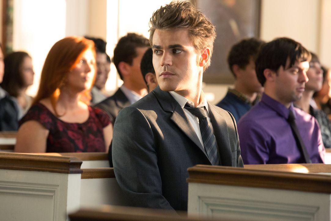 Er bemüht sich von ganzem Herzen, Elena das neue Leben so einfach wie möglich zu machen, da ist Stefan (Paul Wesley, M.) extrem enttäuscht dass sie... - Bildquelle: Warner Brothers