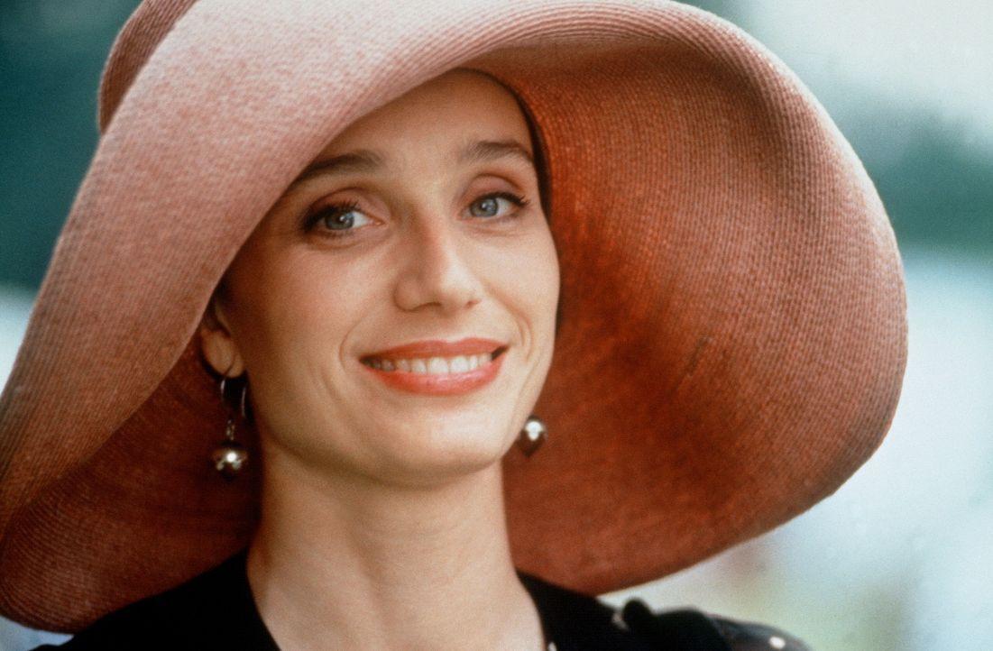 Auf Carries Hochzeit gesteht die unnahbare und aristokratische Fiona (Kristin Scott Thomas) dem unglücklich verliebten Charles ihre Liebe ... - Bildquelle: Gramercy Pictures