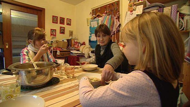 Sie wohnen ohne zu zahlen: Familie W. ist bekennender Mietpreller ... © SAT.1