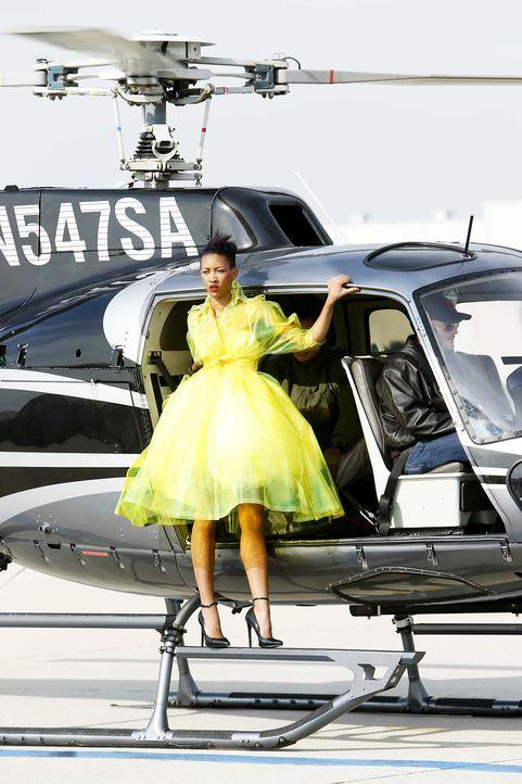 GNTM-Stf10-Epi06-Helikopter-Shooting-84-Erica-ProSieben-Richard-Huebner - Bildquelle: ProSieben/Richard Huebner