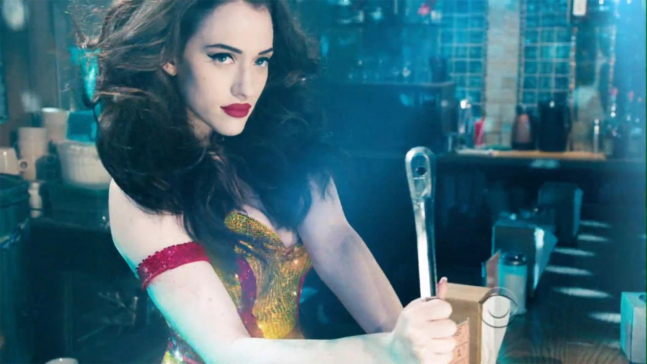 bild-2-broke-girls-super-bowl-sexy-strip-poledance-kat-dennings-beth-behrs-10-cbsjpg 1600 x 900 - Bildquelle: CBS