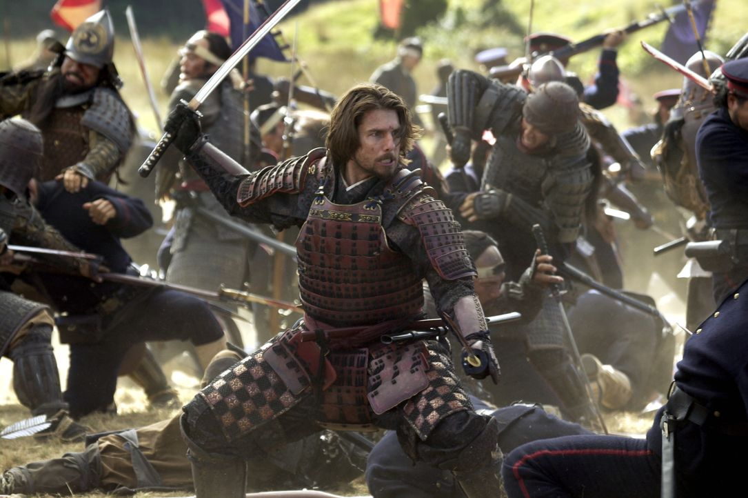 Auf in den Kampf: Nathan Algren (Tom Cruise) ... - Bildquelle: Warner Bros.