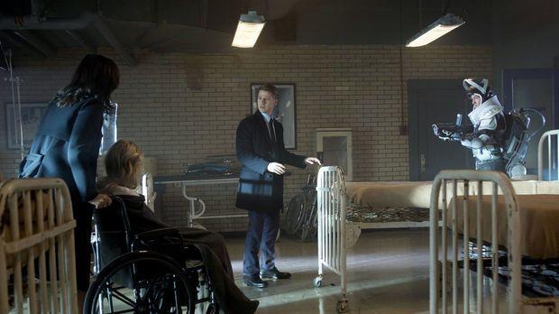 Gordon (Ben McKenzie, 2.v.r.) versucht alles, um Victor Fries (Nathan Darrow,...
