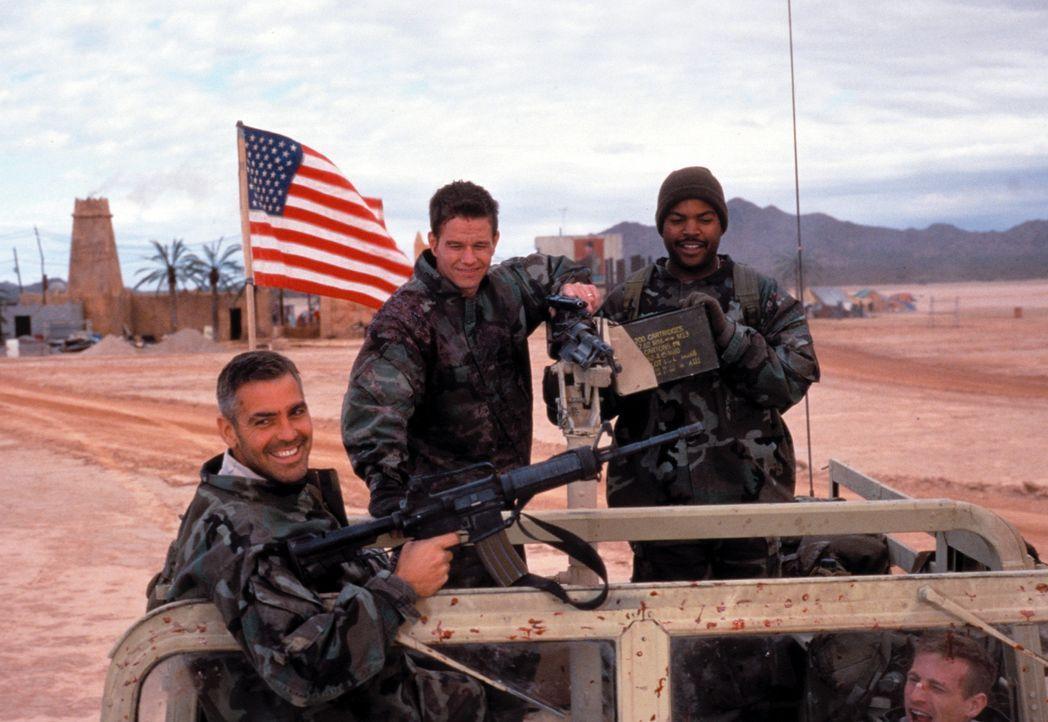 Der Golfkrieg ist gerade beendet und ein paar Bodentruppen sind enttäuscht, dass sie in dem mit High Tech geführten Krieg kaum eingreifen konnten.... - Bildquelle: Warner Bros. Pictures