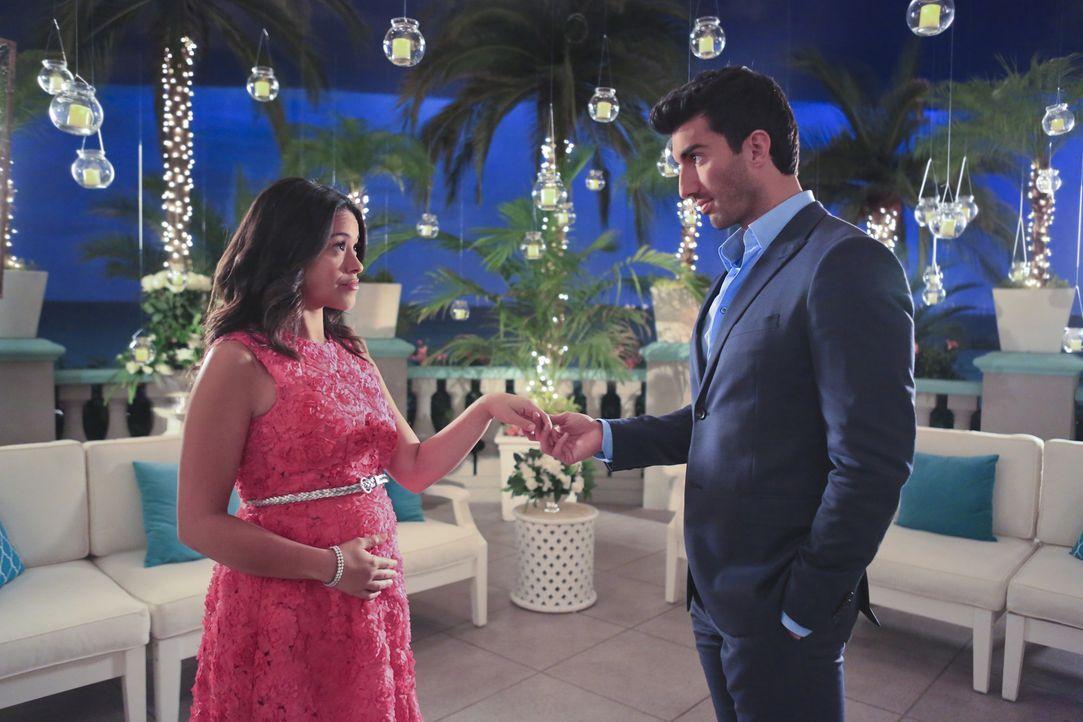 Wie geht es mit Jane (Gina Rodriguez, l.) und Rafael (Justin Baldoni, r.) weiter? - Bildquelle: 2014 The CW Network, LLC. All rights reserved.