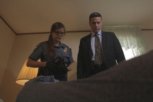 Die junge Pilotin Ruth wird ermordet in ihrem Bett aufgefunden. Für Lt. Joe K...