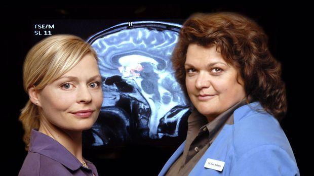 Die Neurologin und Neurochirurgin Dr. Susanne Molberg (Sabine Orléans, r.), k...