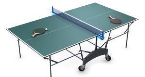 Eine Tischtennisplatte ist knapp drei Meter lang und anderthalb Meter breit.