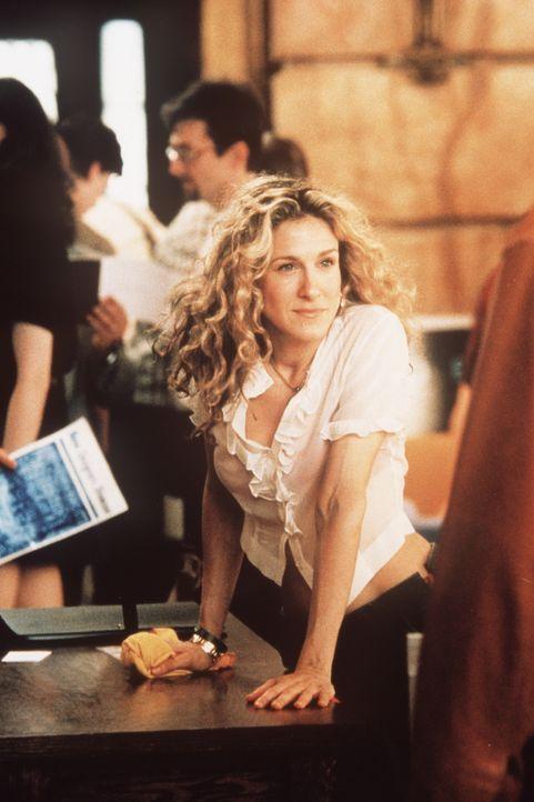 Carrie (Sarah Jessica Parker) begleitet ihren liebsten Aidan auf eine Möbelausstellung. - Bildquelle: Paramount Pictures