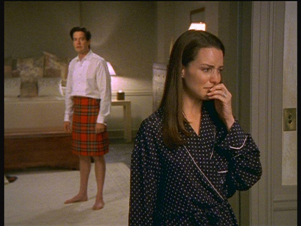 Charlottes (Kristin Davis, r.) Beziehung mit Trey (Kyle MacLachlan, l.) steht kurz vor dem Aus. - Bildquelle: Paramount Pictures