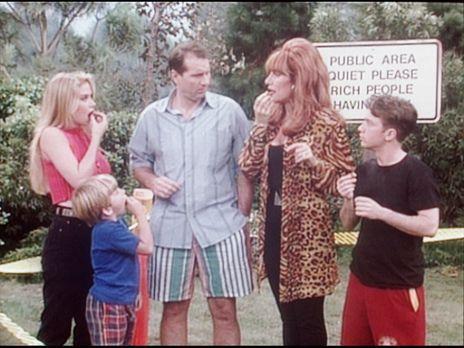 Eine schrecklich nette Familie - (v.l.n.r.) Kelly (Christina Applegate), Sieb...