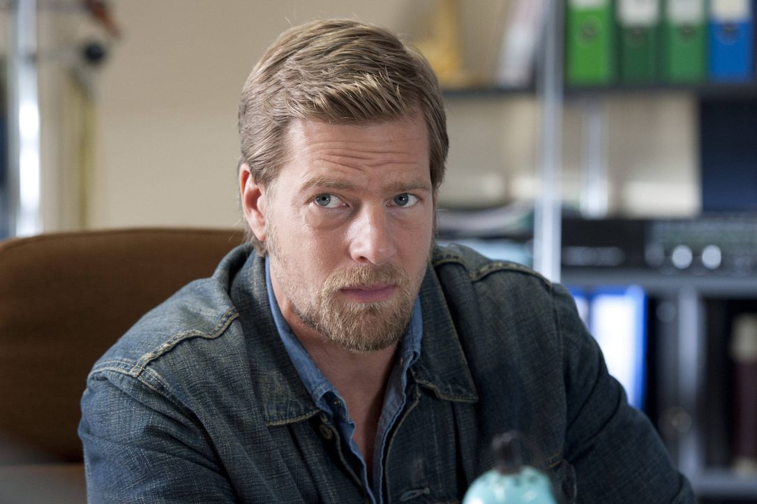 (3. Staffel) - Mick Brisgau (Henning Baum) bekommt einen Nebenbuhler in der Gunst um Tanja und eine neue attraktive Kollegin ... - Bildquelle: SAT.1