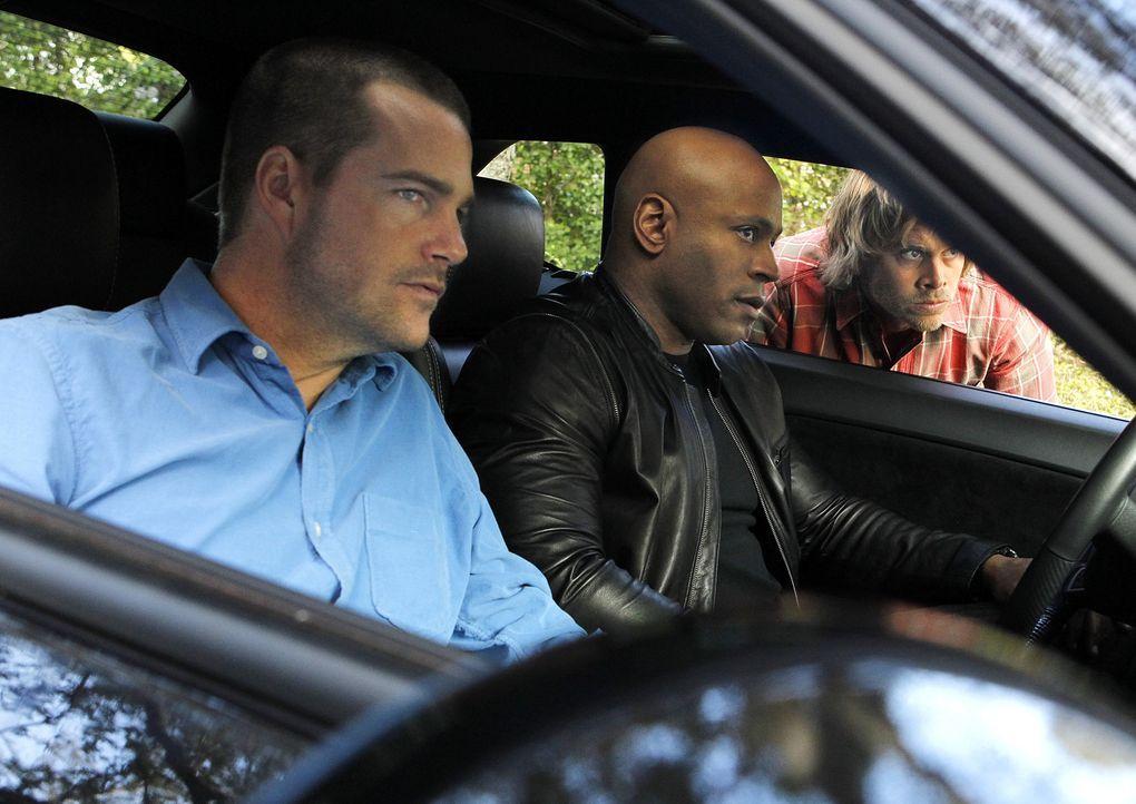 Ermitteln in einem neuen Fall: Callen (Chris O'Donnell, l.), Sam (LL Cool J, M.) und Deeks (Eric Christian Olsen, r.) ... - Bildquelle: CBS Studios Inc. All Rights Reserved.