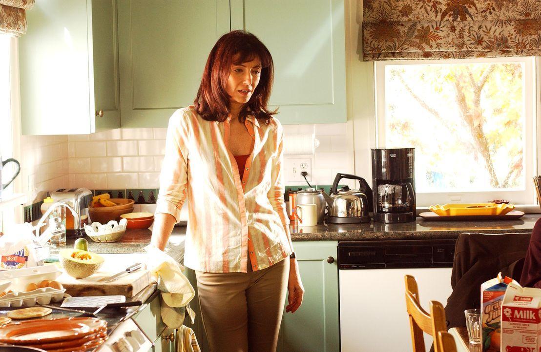 Mary Steenbergen (Helen Girardi) - Bildquelle: Sony Pictures Television