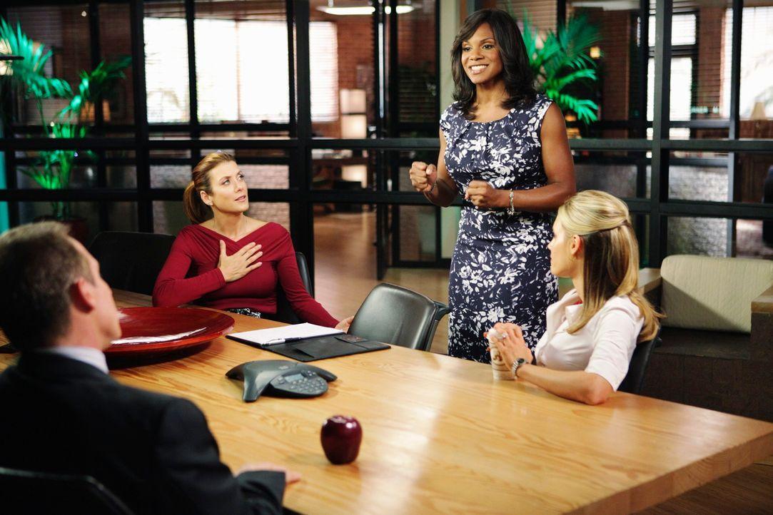 Naomi (Audra McDonald, 2.v.r.) hat ein großes Vorhaben, sie will die beiden Praxen zusammenlegen und ist etwas verwundert, dass sie bei Sheldon (Br... - Bildquelle: ABC Studios