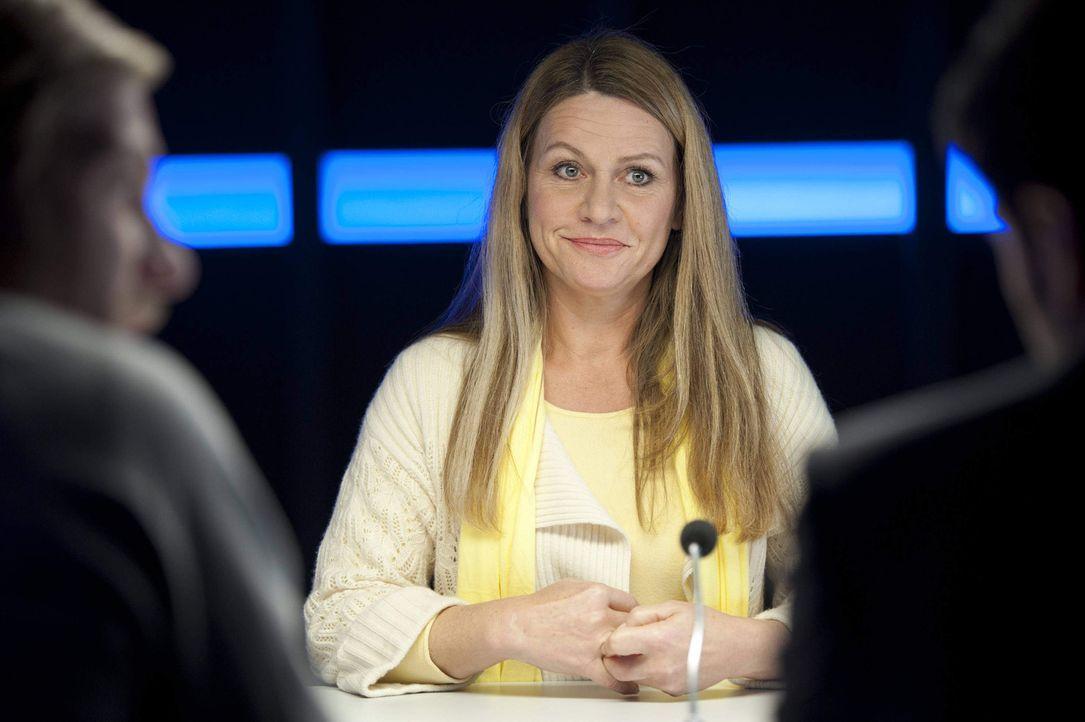 Will unbedingt ihre scheinbar heile Welt retten: Eva Schuhmann (Dana Geissler) ... - Bildquelle: SAT.1