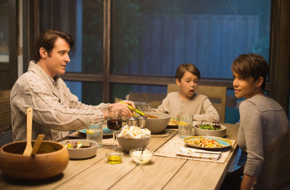 Extant: Familie Woods - Bildquelle: 2014 CBS Broadcasting, Inc. All Rights Reserved