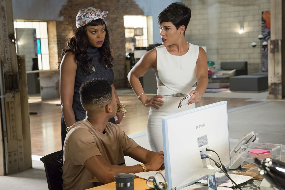 Sind geschockt als plötzlich das FBI für eine Razzia vor der Tür steht: Hakeem (Bryshere Y. Gray, M.), Anika (Grace Gealey, r.) und Cookie (Taraji P... - Bildquelle: Chuck Hodes 2015-2016 Fox and its related entities.  All rights reserved.
