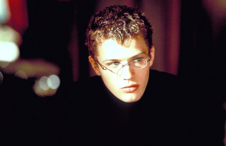 Dem hemmungslosen Sebastian (Ryan Phillippe) eilt ein eindeutiger Ruf voraus, denn er hat es sich zur Aufgabe gemacht, alle Mädels seiner Umgebung... - Bildquelle: Kinowelt Filmverleih GmbH 1998