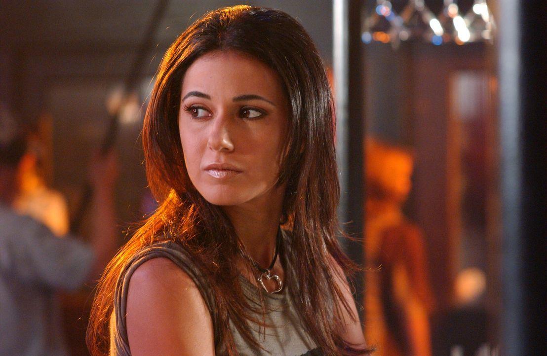 Alex erzählt Seth, dass ihr Ex in der Stadt ist. Sie verschweigt ihm jedoch, dass es sich dabei um eine Ex-Freundin (Emmanuelle Chriqui) handelt ... - Bildquelle: Warner Bros. Television
