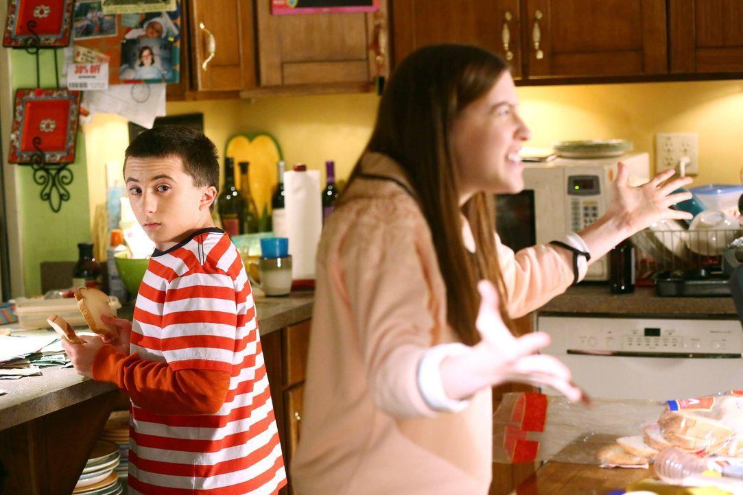 Brick (Atticus Shaffer, l.); Sue (Eden Sher, r.) - Bildquelle: Warner Brothers